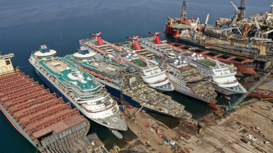 Report: Two Killed Dismantling Carnival Cruise Ship in Turkey