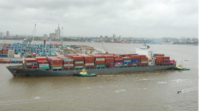 Songa Container fetches bumper price for post-panamax boxship