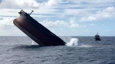 Wakashio Scuttled off Mauritius as Cleanup Continues