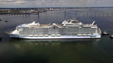 World's Largest Cruise Ship on Sea Trials